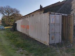 Container in ferro, lunghezza 12 metri.