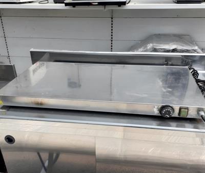Base calda per vetrina espositiva